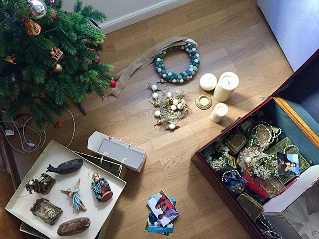 ordenar los adornos de Navidad